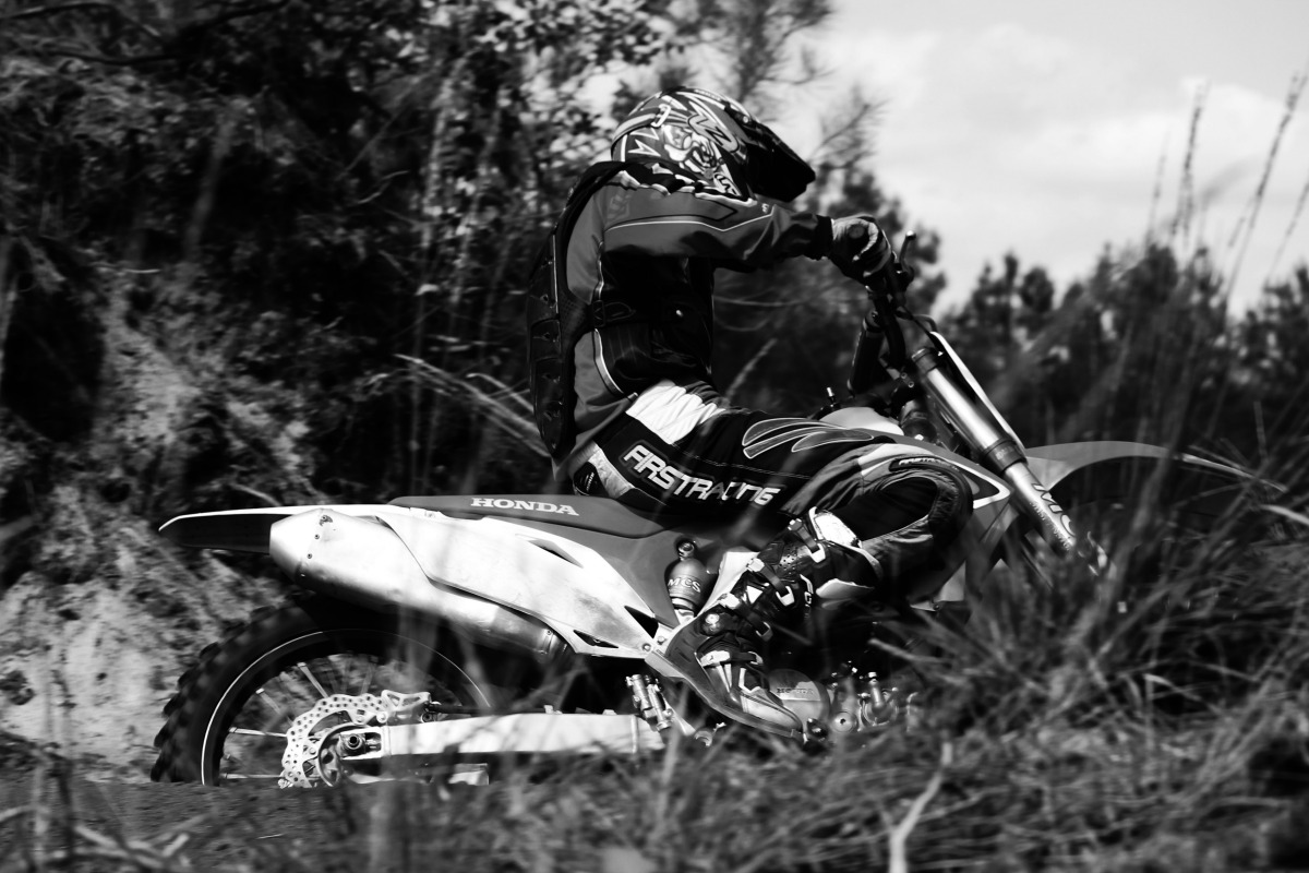 Book moto-cross photo